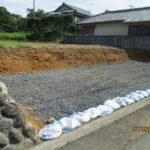 土嚢袋が置いてある場所が敷地です